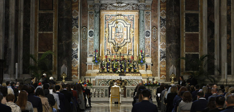 POPE ROSARY VATICAN