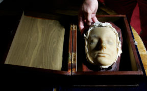 DEATH MASK MARY QUEEN OF SCOTS